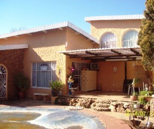 R 890,000 - 4 Bed House For Sale in Hennenman