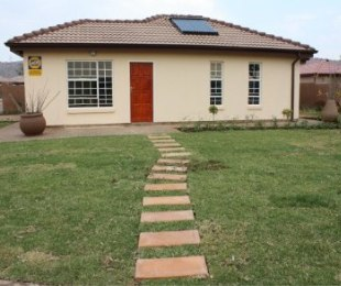 R 539,000 - 3 Bed House For Sale in Crystal Park