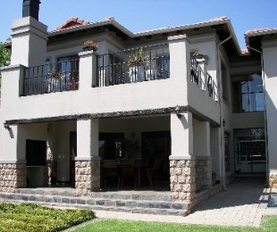 R 3,300,000 - 3 Bed Property For Sale in Tres Jolie