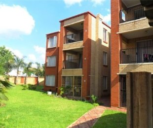 R 7,000 - 2 Bed Apartment To Rent in Lyttelton