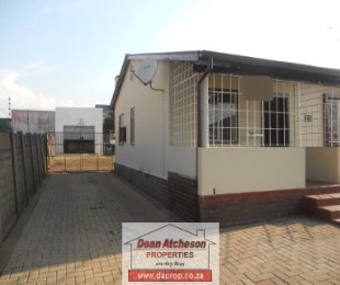 R 650,000 - 3 Bed Property For Sale in South Hills