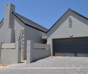 R 2,995,000 - 3 Bed Home For Sale in Durbanvale