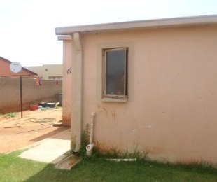 R 600,000 - 3 Bed House For Sale in Protea Glen