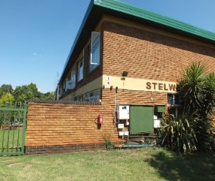 R 730,000 - 2 Bed Property For Sale in Eldoraigne