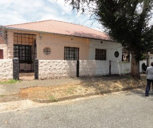 R 870,000 - 1 Bed Home For Sale in Mayfair