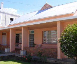 R 2,625,000 - 5 Bed House For Sale in Prince Albert