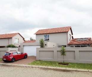 R 1,380,000 - 4 Bed Property For Sale in Ravenswood