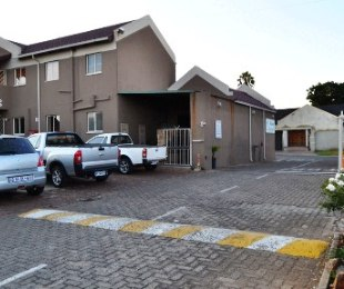 R 495,000 - 2 Bed Apartment For Sale in Bramley View