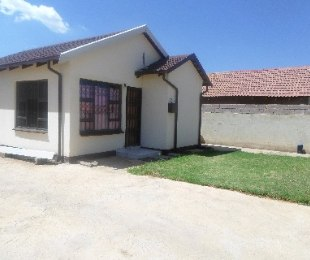 R 470,000 - 2 Bed Home For Sale in Protea Glen