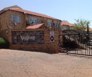 R 540,000 - 2 Bed Property For Sale in Little Falls