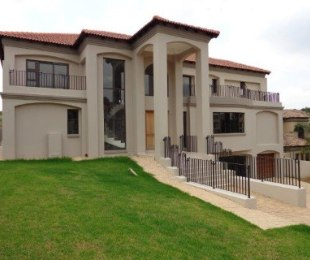 R 7,950,000 - 5 Bed House For Sale in Waterkloof Ridge