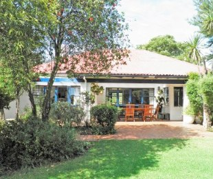 R 2,200,000 - 5 Bed House For Sale in Observatory