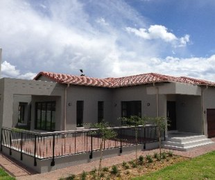 R 2,500,000 - 3 Bed House For Sale in Xanadu