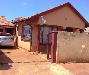 R 700,000 - 3 Bed Home For Sale in Soshanguve