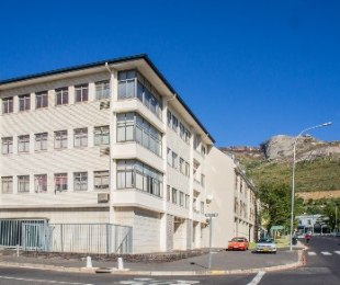 R 1,090,000 - 2 Bed Flat For Sale in Paarl
