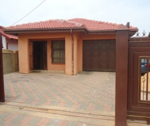 R 550,000 - 2 Bed House For Sale in Soshanguve