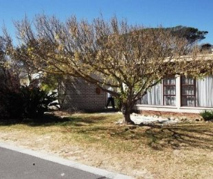 R 1,380,000 - 3 Bed Home For Sale in Gordon's Bay
