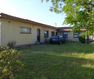 R 650,000 - 4 Bed Home For Sale in Kraaifontein