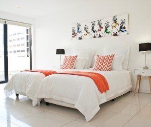 R 2,200 - 2 Bed Flat To Rent in Cape Town - City Bowl