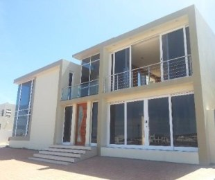 R 4,350,000 - 4 Bed House For Sale in Calypso Beach