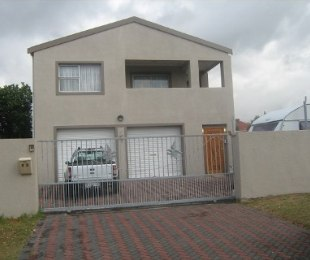 R 3,195,000 - 5 Bed House For Sale in Plumstead