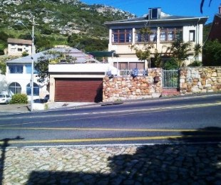 R 4,950,000 - 4 Bed House For Sale in Kalk Bay