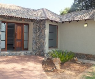 R 2,895,000 - 3 Bed House For Sale in Eldoraigne