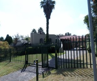 R 1,675,000 - 4 Bed House For Sale in Kloofendal