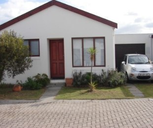 R 750,000 - 2 Bed Home For Sale in Ottery