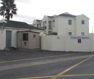 R 529,000 - 1 Bed Apartment For Sale in Heathfield