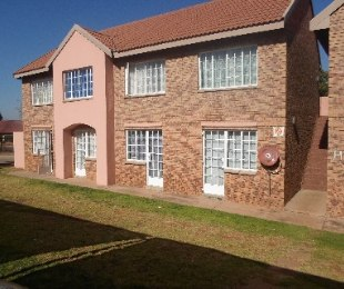 R 360,000 - 1 Bed Flat For Sale in Philip Nel Park