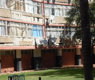 R 300,000 - 1 Bed Flat For Sale in Muckleneuk