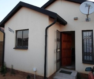 R 420,000 - 2 Bed Home For Sale in Soshanguve