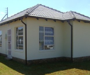 R 389,000 - 2 Bed Home For Sale in Crystal Park