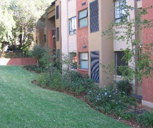 R 850,000 - 2 Bed Flat For Sale in North Riding