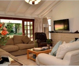 R 2,599,000 - 3 Bed House For Sale in Bordeaux
