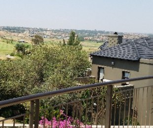 R 6,400,000 - 3 Bed Property For Sale in Eagle Canyon Golf Estate
