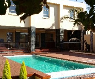 R 4,450,000 - 5 Bed House For Sale in Waterkloof Heights
