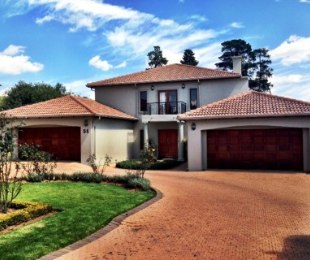 R 35,000 - 3 Bed Property To Rent in Eagle Canyon Golf Estate