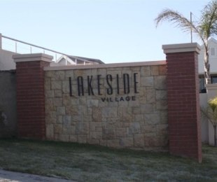 R 13,000 - 3 Bed Flat To Rent in Eagle Canyon Golf Estate