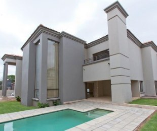 R 45,000 - 4 Bed Property To Let in Bryanston East