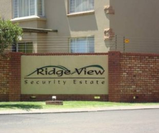 R 5,000 - 2 Bed Flat To Let in Witbank