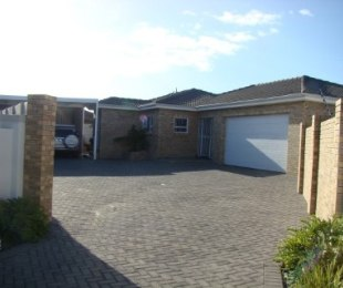 R 2,350,000 - 3 Bed House For Sale in Sonkring
