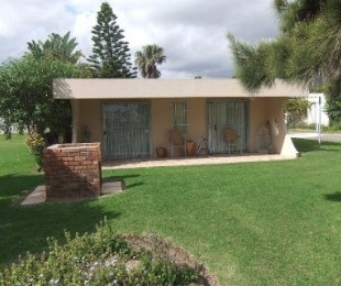 R 760,000 - 2 Bed Property For Sale in Gordon's Bay