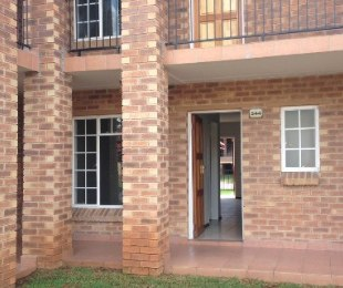 R 495,000 - 2 Bed Flat For Sale in Comet