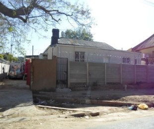 R 695,000 - 5 Bed House For Sale in Malvern
