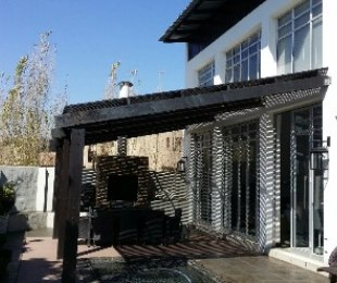 R 3,995,000 - 4 Bed Property For Sale in Silver Lakes Golf Estate