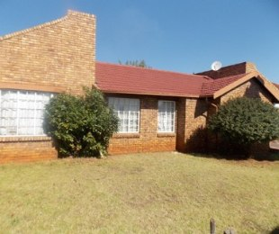 R 760,000 - 3 Bed Property For Sale in Spruitview