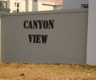 R 14,000 - 3 Bed Property To Rent in Eagle Canyon Golf Estate