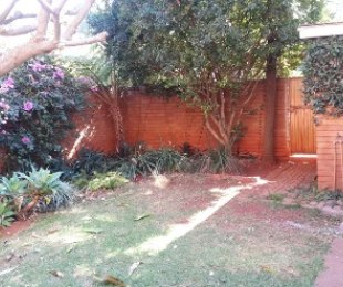R 10,000 - 2.5 Bed Apartment To Rent in Hatfield